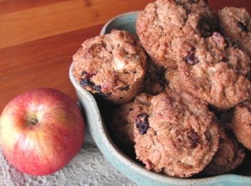 apple cran walnut muffins 3 crop
