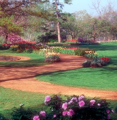 Monticello flowerwalk