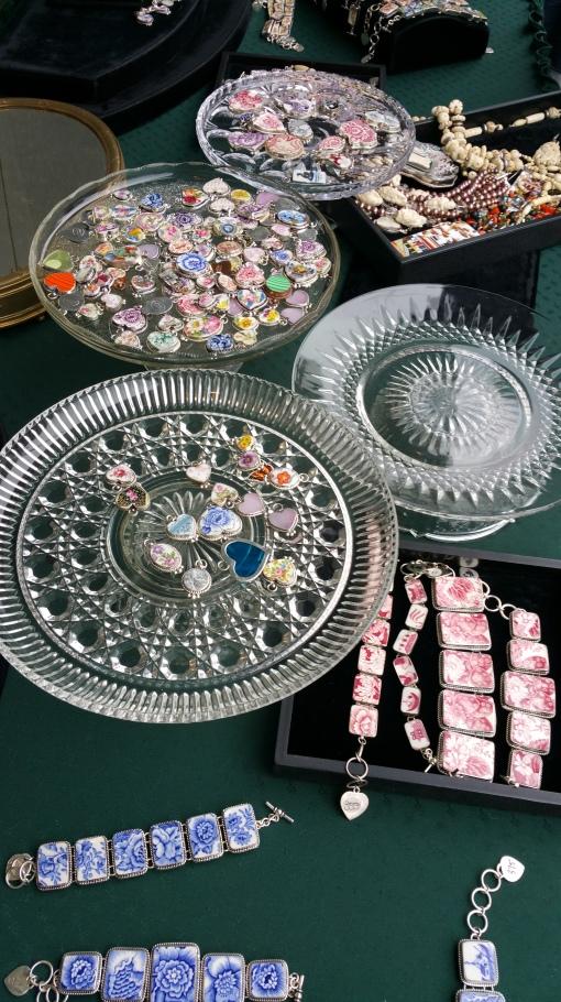 Jewelery vendor